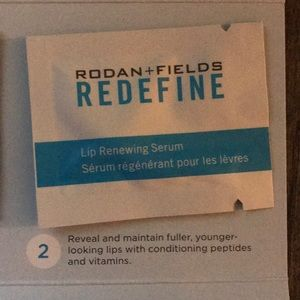 Rodan & Fields trial size Give it a Glow NWT